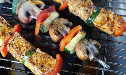 Những thực phẩm dễ gây bệnh sau khi hâm nóng lại bằng lò vi sóng