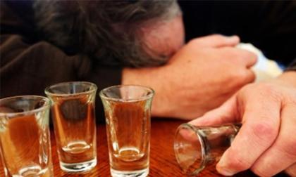 Ngộ độc rượu methanol phá hủy cơ thể thế nào?