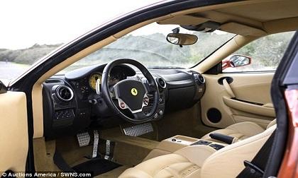 Đấu giá siêu xe Ferrari của Tổng thống Donald Trump