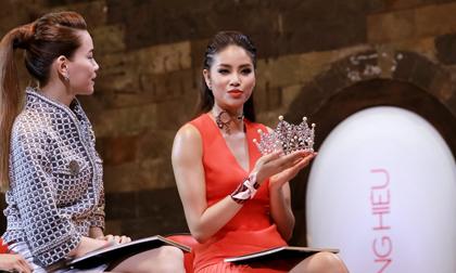 Phạm Hương công khai đá xéo Hồ Ngọc Hà trên trang cá nhân