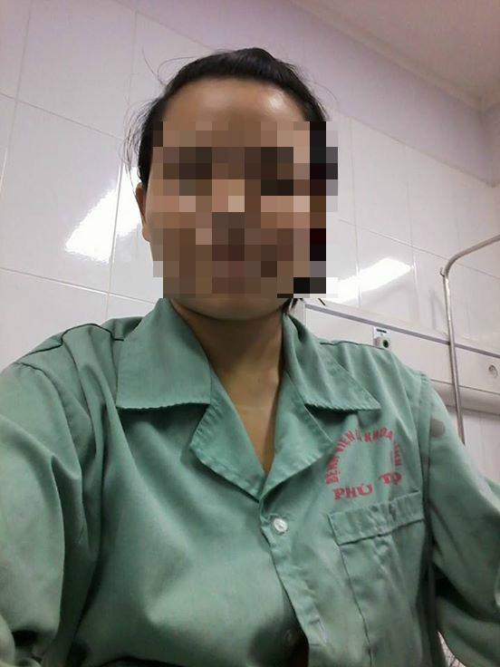 Hình ảnh mới nhất về người phụ nữ có bộ ngực khổng lồ sau khi phẫu thuật - 4