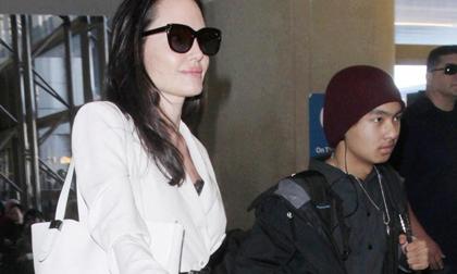 Angelina Jolie bị tố giả mạo giấy tờ nhận con nuôi tại Campuchia