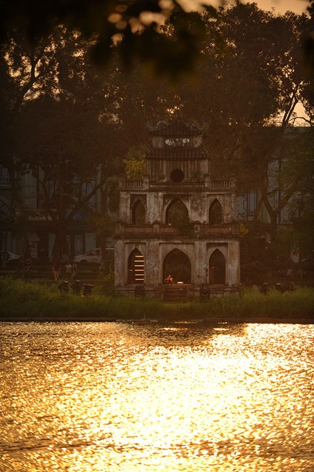 Mê hoặc chiều dát vàng Hồ Gươm - 2