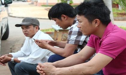 Vụ chìm tàu Hải Thành 26: Tin dữ xao xác xóm nghèo