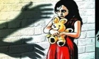 Nữ sinh 15 tuổi sinh con, chú dượng bị bắt