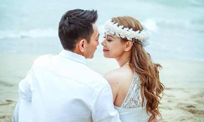 Ca sĩ Thanh Thảo đăng ảnh cưới với bạn trai Việt kiều