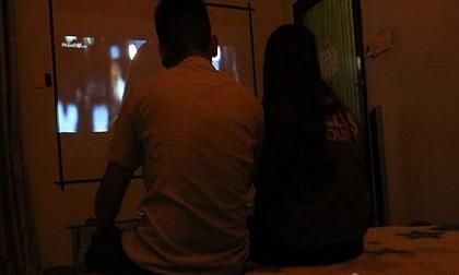 'Cạm bẫy' bên trong cà phê xem phim phòng kín dành cho 2 người