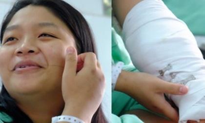 Cô gái bị máy cắt giấy chém lìa cánh tay: Bạn trai sắp cưới túc trực bên giường bệnh, xin cơm từ thiện cho ăn