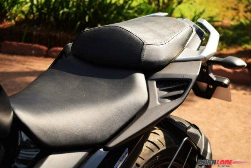 """2017 Yamaha FZ25 có xứng đáng là """"chúa tể đường phố""""? - 15"""