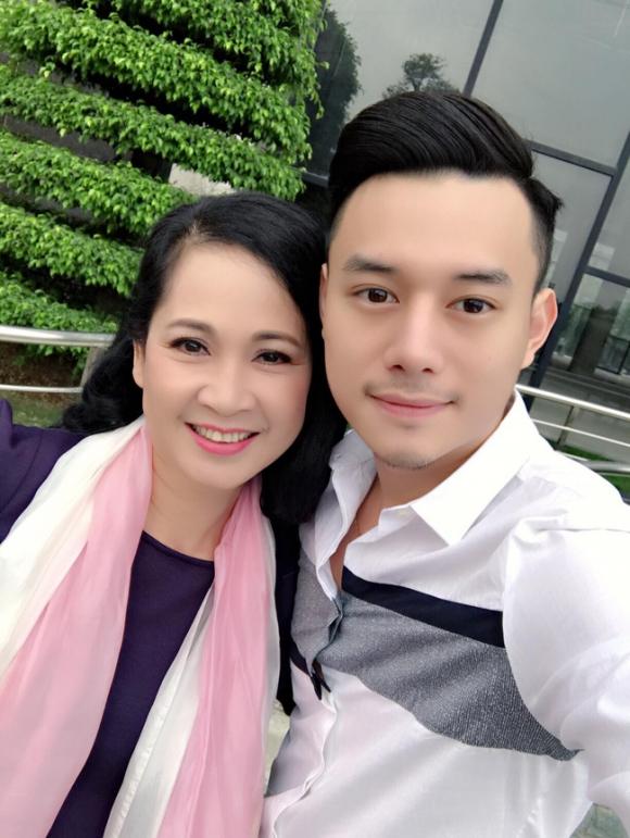 NSND Lan Hương của Sống chung với mẹ chồng: Khi quay cảnh đám cưới vui vẻ cũng là lúc bố tôi qua đời - Ảnh 2.