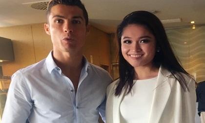 Á hậu Thuỳ Dung gặp gỡ danh thủ Cristiano Ronaldo tại Châu Âu