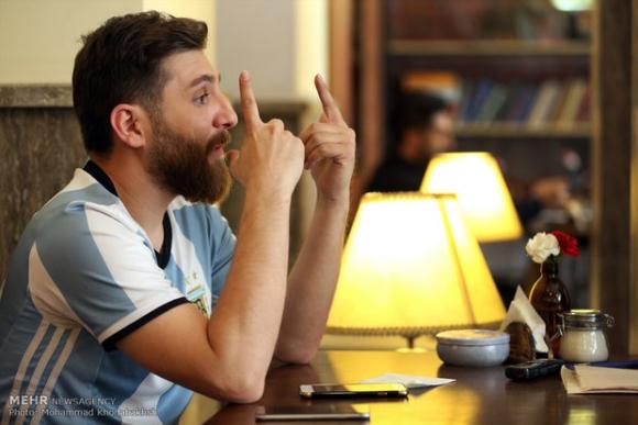 Xuất hiện bản sao giống hệt Messi từ râu đến tóc - Ảnh 4.