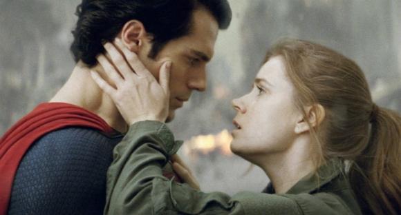 9 mối tình siêu dị giữa con người với người ngoài hành tinh trên màn ảnh rộng - Ảnh 2.