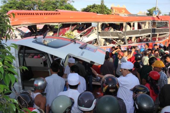 Thông tin mới nhất về vụ tai nạn giữa xe tải và xe khách tại Gia Lai