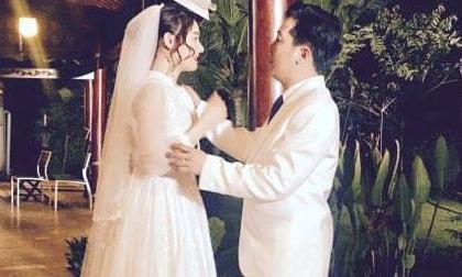Đăng hình đeo nhẫn cưới, mặc váy cô dâu, Nhã Phương \khiến fan xôn xao nghi vấn kết hôn với Trường Giang