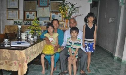 Cảm phục tấm lòng của đôi vợ chồng nghèo 35 năm cưu mang người dưng
