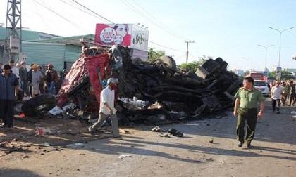 Tai nạn 13 người chết: Công an chỉ điểm bất thường