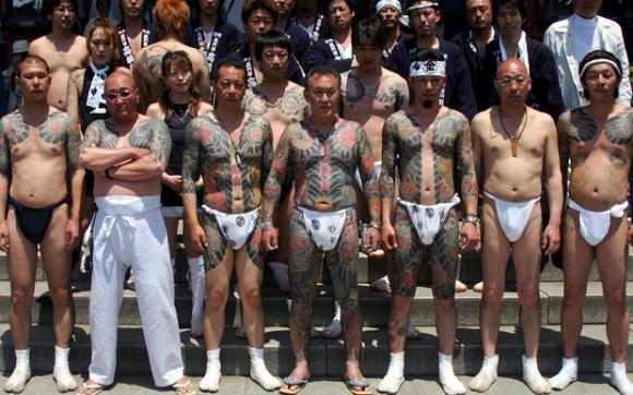 """Cuộc đời """"lập dị"""" của trùm mafia Nhật Bản: Ngày giết người, đêm làm thơ - 2"""