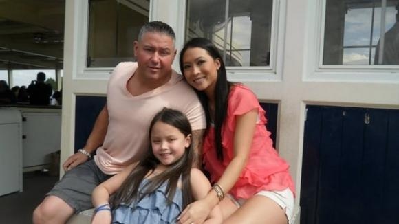 """Cuộc đời chông gai của """"Quỷ trắng"""" và tình yêu với người con gái gốc Việt - 1"""