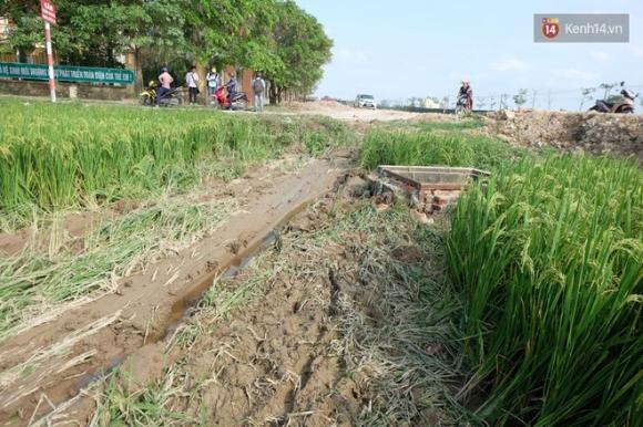 Tang thương bao trùm vùng quê nghèo nơi 3 học sinh bị xe Camry đâm tử vong - Ảnh 1.