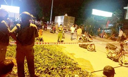 TP. HCM: Đang đi trên cầu, người đàn ông bị 2 kẻ lạ mặt chém tử vong