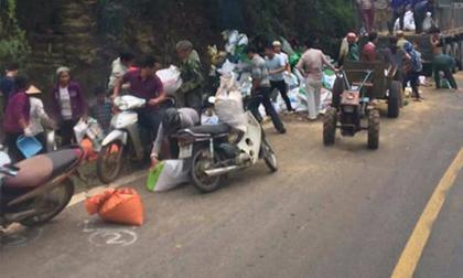 Vụ tai nạn 2 người chết ở Hoà Bình: Nhiều người lao vào 'hôi của'