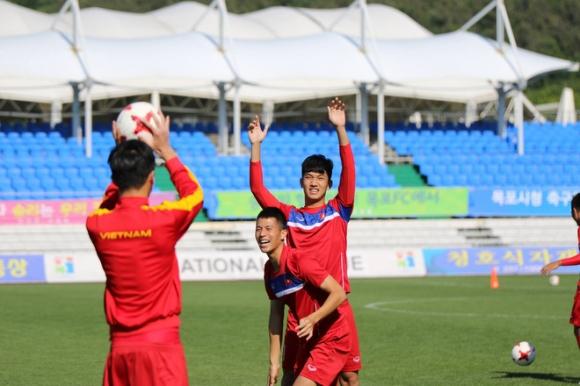 Hot boy Trọng Đại có thể nhận lại băng đội trưởng U20 Việt Nam - Ảnh 2.