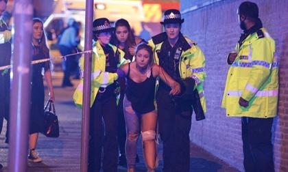 Manchester rúng động vì nổ lớn, 19 người chết