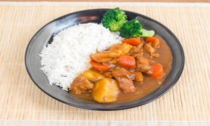Vợ đảm tung chiêu níu chân chồng với món cơm cà ri gà kiểu Nhật