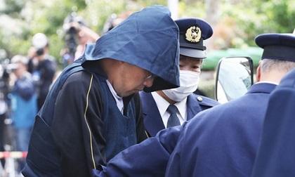 Bé Nhật Linh có thể bị bịt miệng bằng cà vạt, khóa chân tay bằng còng trước khi sát hại
