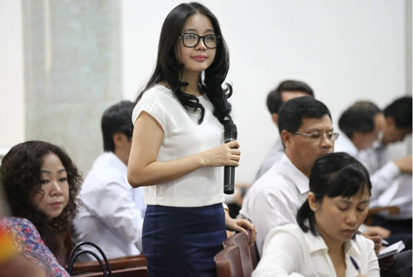 Bà Đặng Ngọc Lan (một số báo ghi là Đặng Thị Ngọc Lan) thường được nhắc đến với tư cách là một trong những người phụ nữ quyền lực nhất giới kinh doanh Việt Nam và luôn hỗ trợ chồng mình, ông Nguyễn Đức Kiên (bầu Kiên). Ảnh Internet