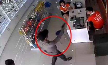 Lời khai của 2 kẻ dùng súng cướp cửa hàng điện thoại ở Bắc Ninh