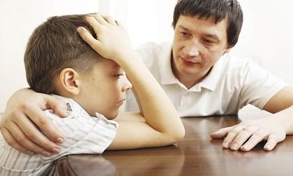 Cách dạy con sai lầm của bố mẹ khiến con hành xử không tốt