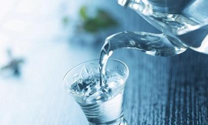 Thực hư thông tin nước đun sôi để nguội gây hại cho sức khỏe