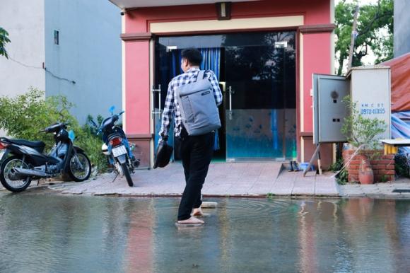Hà Nội: Ngập úng quanh năm, người dân thả vịt ngay trên đường khu đô thị - Ảnh 11.