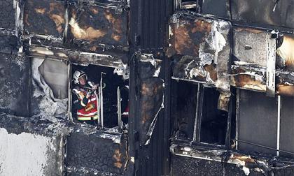 Không còn hy vọng tìm thấy người sống sót trong tòa tháp 27 tầng ở London