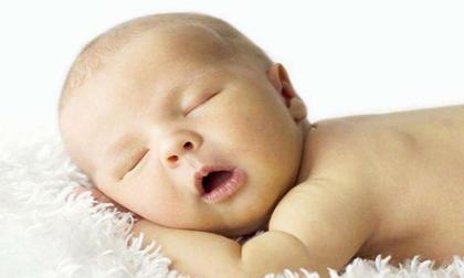 4 tật xấu khi ngủ khiến trẻ sơ sinh dễ méo đầu, vẹo cổ mà chưa mẹ nào biết