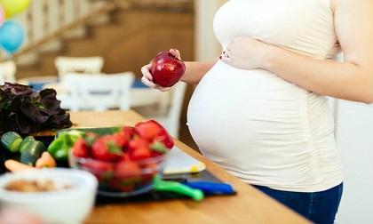 Ăn uống khi mang bầu: Mẹ nhất định phải tránh 3 điều này!