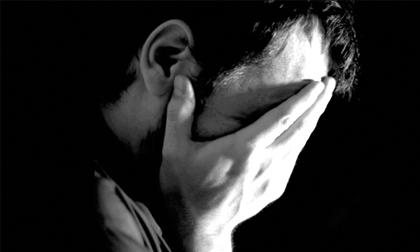 Nước mắt đau lòng của người đàn ông giang hồ, cả đời chỉ đi tìm chốn bình yên