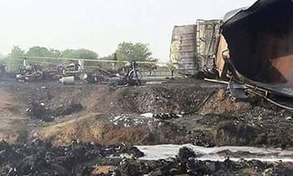 Lao ra hiện trường 'hôi của', xe bồn chở dầu phát nổ thiêu sống hàng trăm mạng người