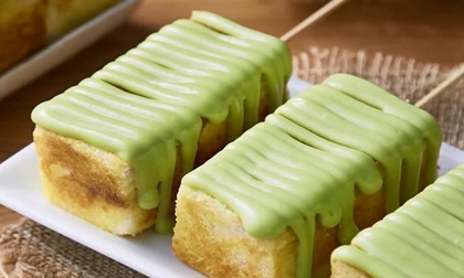 Bánh mì nướng bơ phủ kem matcha hấp dẫn khôn lường