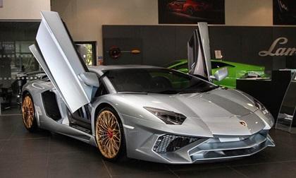 Lamborghini Aventador SV với tùy chọn màu sơn đắt đỏ trị giá 1,45 tỷ Đồng