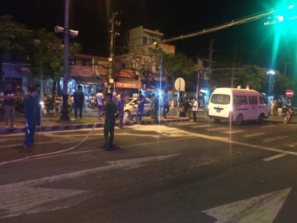 Đà Nẵng: Va chạm kinh hoàng trong đêm, nam thanh niên bị xe tải cán tử vong - Ảnh 1.