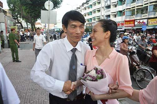 giua cac loi khen che phuong nga, day la dieu nhan van, duoc du luan va sao viet dong tinh nhat - 5