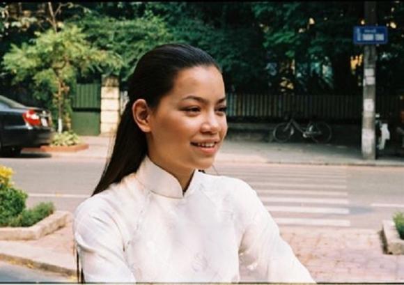 Lộ loạt ảnh của Hồ Ngọc Hà từ thời còn ngăm đen, chat webcam - Ảnh 2.