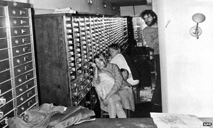 Vén màn bí mật vụ cướp ngân hàng chấn động cách đây 44 năm khởi nguồn từ hội chứng 'con tin yêu kẻ bắt cóc'