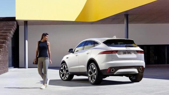 Jaguar E-Pace hoàn toàn mới giá từ 838 triệu đồng - 6