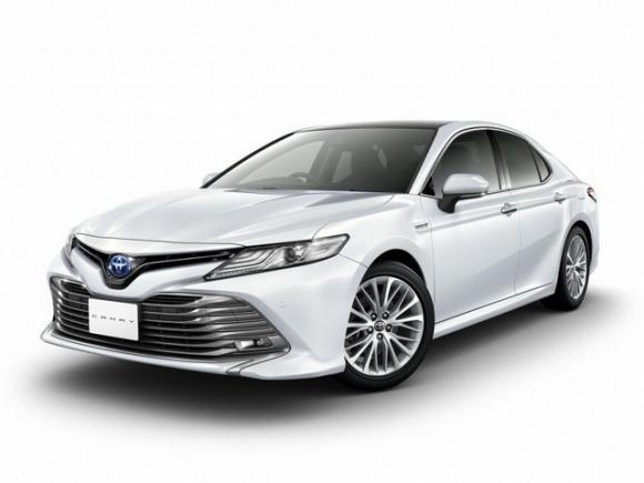 Toyota Camry 2018 giá từ 656 triệu đồng ở quê hương Nhật Bản - 1