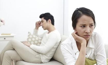 Mỗi lần giận vợ, tôi đều sốc khi thấy cách chồng trút bực tức