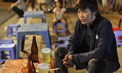 Kiếm tiền tỷ, Hoài Linh và sao Việt vẫn nghiện trà đá vỉa hè